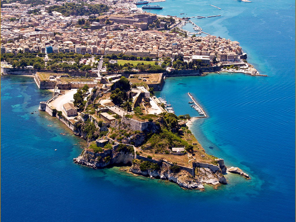 оld-fortress-in-сorfu-greece-aerial-view