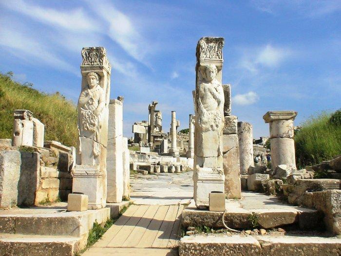 Ворота Геракла в Эфесе