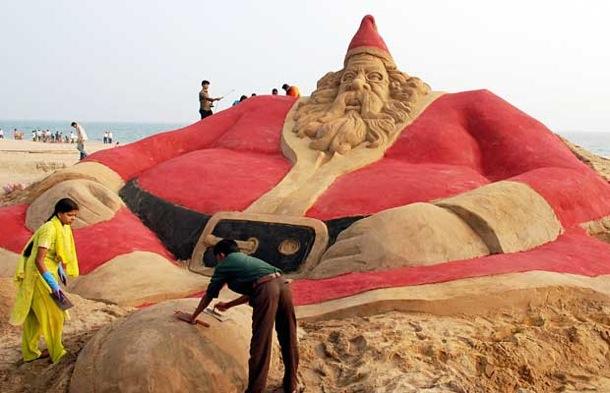 A 25-foot (7.57 metre) tall sand sculptu