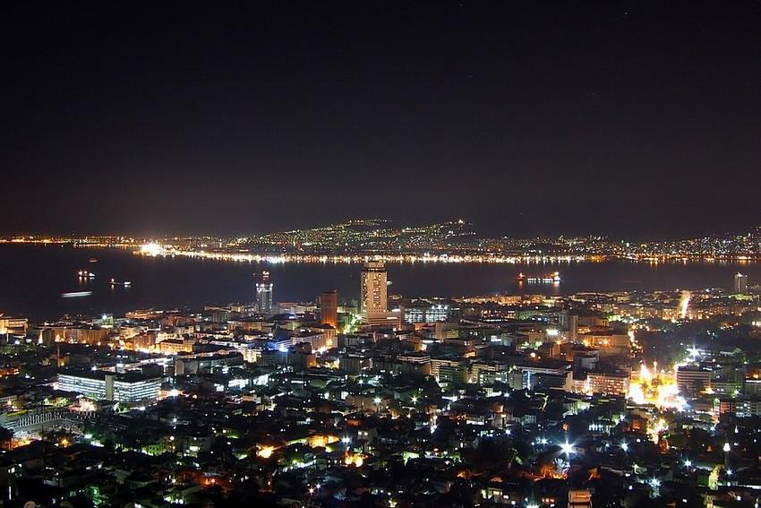 Измир ночью